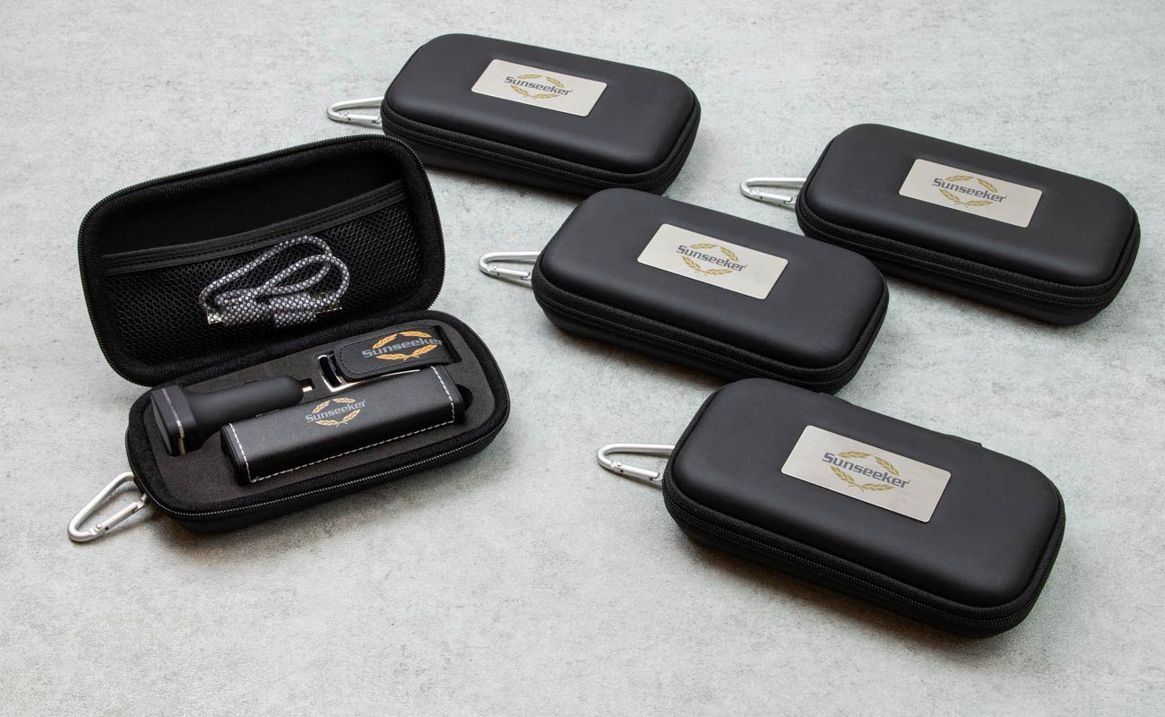 Leather M - Minnepenn Med Logo, Powerbank Med Logo og Custom Car Charger